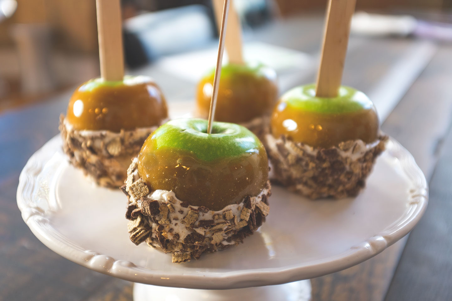 Kit Kat Candy Apples Madewithnestle Ca