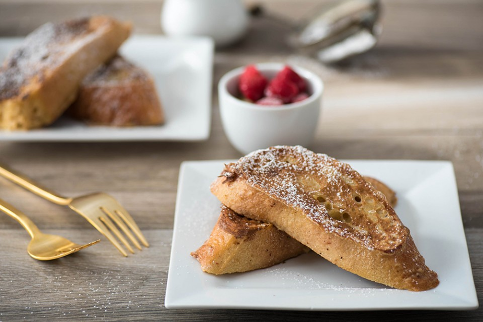 COFFEE MATE French Vanilla French Toast recipe. A delectable twist on an old favourite.
