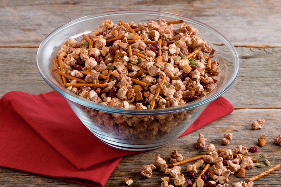 CARNATION Rich and Creamy Hot Chocolate Popcorn Snack Mix recipe