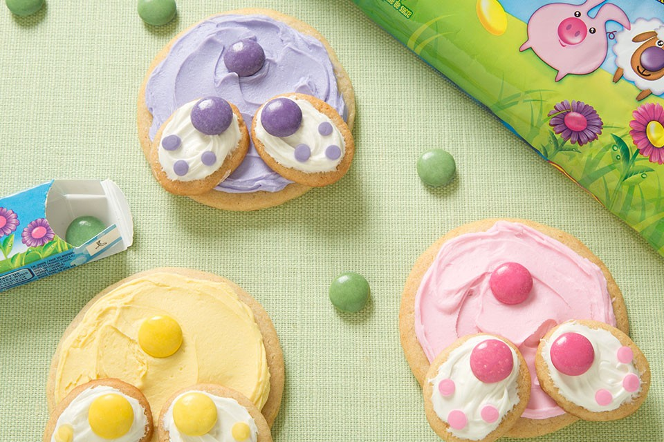 SMARTIES Bunny Tail Cookies recipe. An adorable and tasty way to think outside the egg!