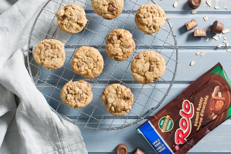 ROLO Peanut Butter Oatmeal Cookies Recipe. Crispy around the edges and tender throughout.
