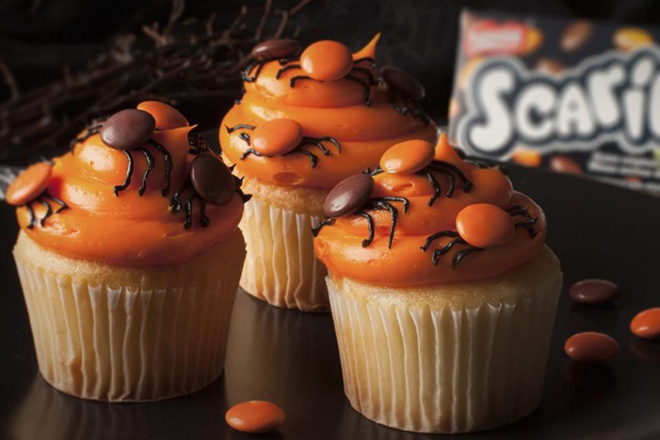 SCARIES Spider Cupcakes Recipe. Halloween SMARTIES mini cupcakes.